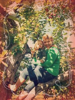 trees apples applepicking motherdaughter upstateny love
